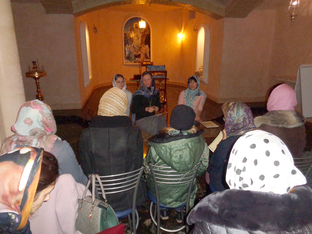 29 октября в Уаровском храме прошла благотворительная акция «Согреем детские сердца»