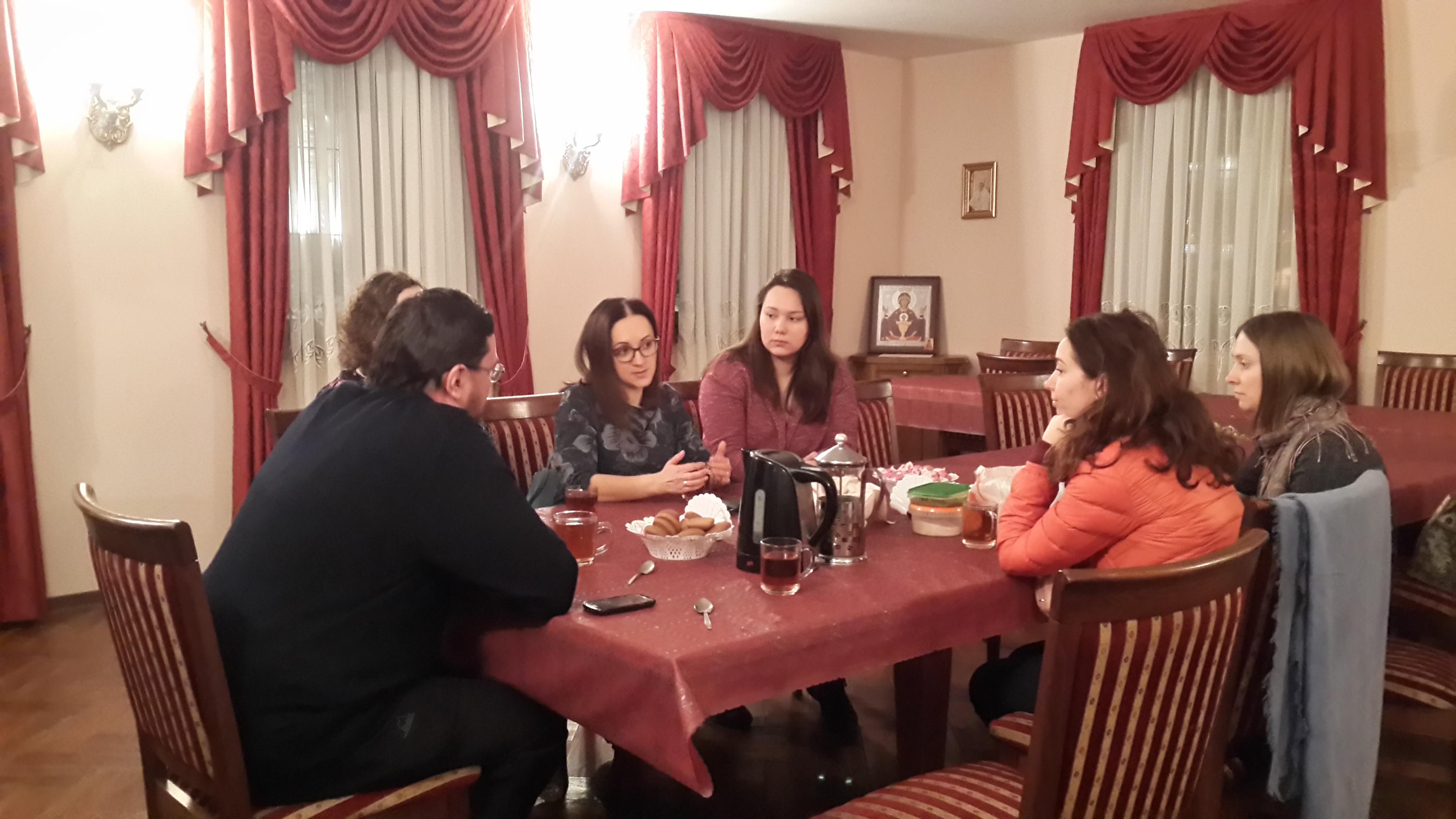 Серия встреч со специалистами в области паллиативной и хосписной помощи в Уаровском храме