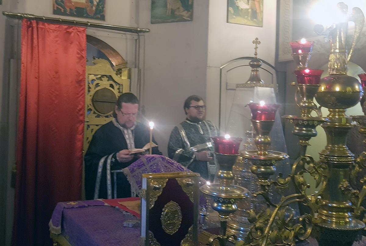 Благочинный Мытищинского округа посетил Уаровский храм