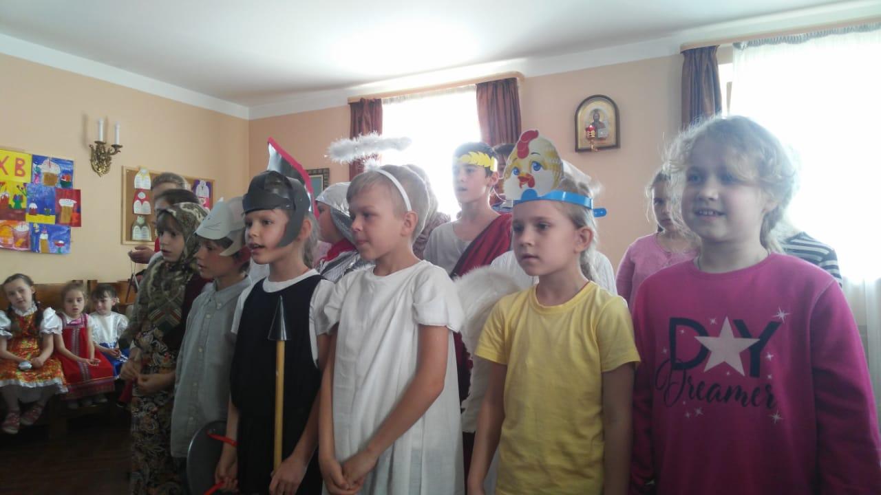 Воскресная школа храма Св. мч. Уара встретила День свв. Мироносиц