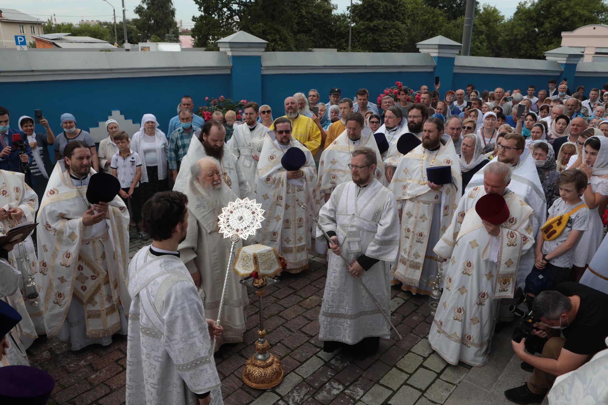 Духовенство храма Св мч Уара приняло участие в архиерейских богослужениях