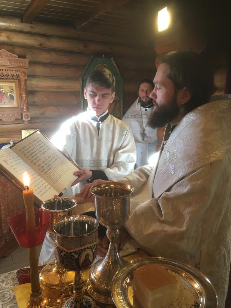 Чтец и алтарник храма Св. мч. Уара Алексий Аборкин посвящен в сан диакона