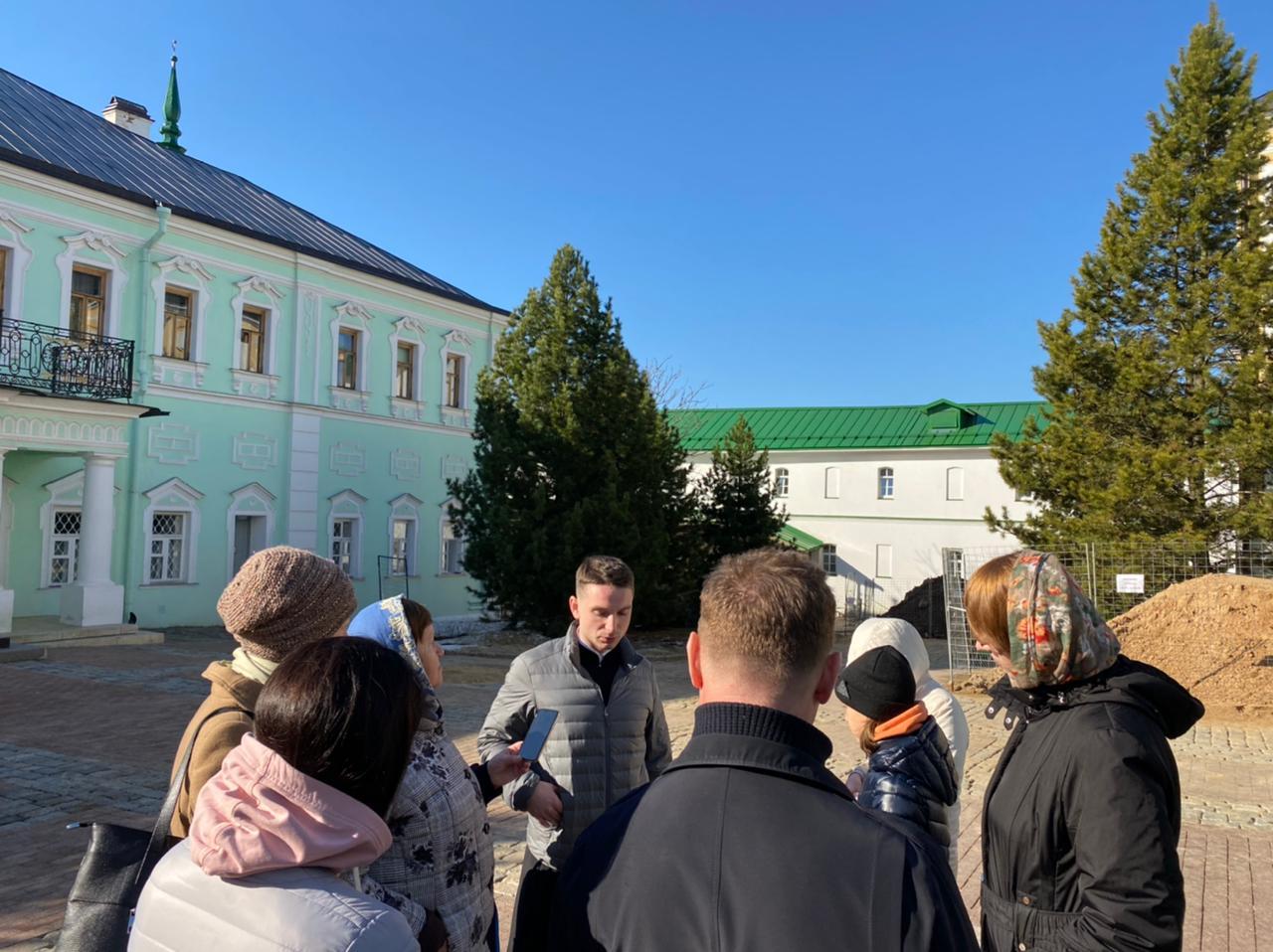 Паломничество учащихся певческого кружка при храме Св. мч. Уара в Троице-Сергиеву Лавру 2021