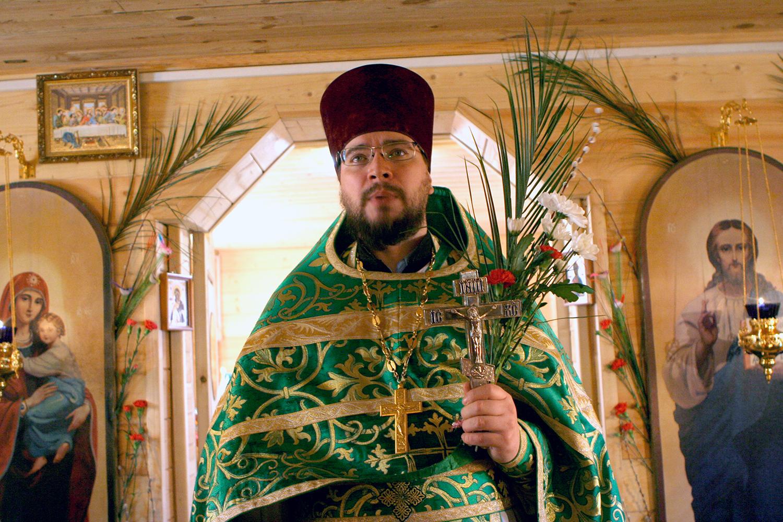 Настоятель храма протоиерей Олег Мумриков