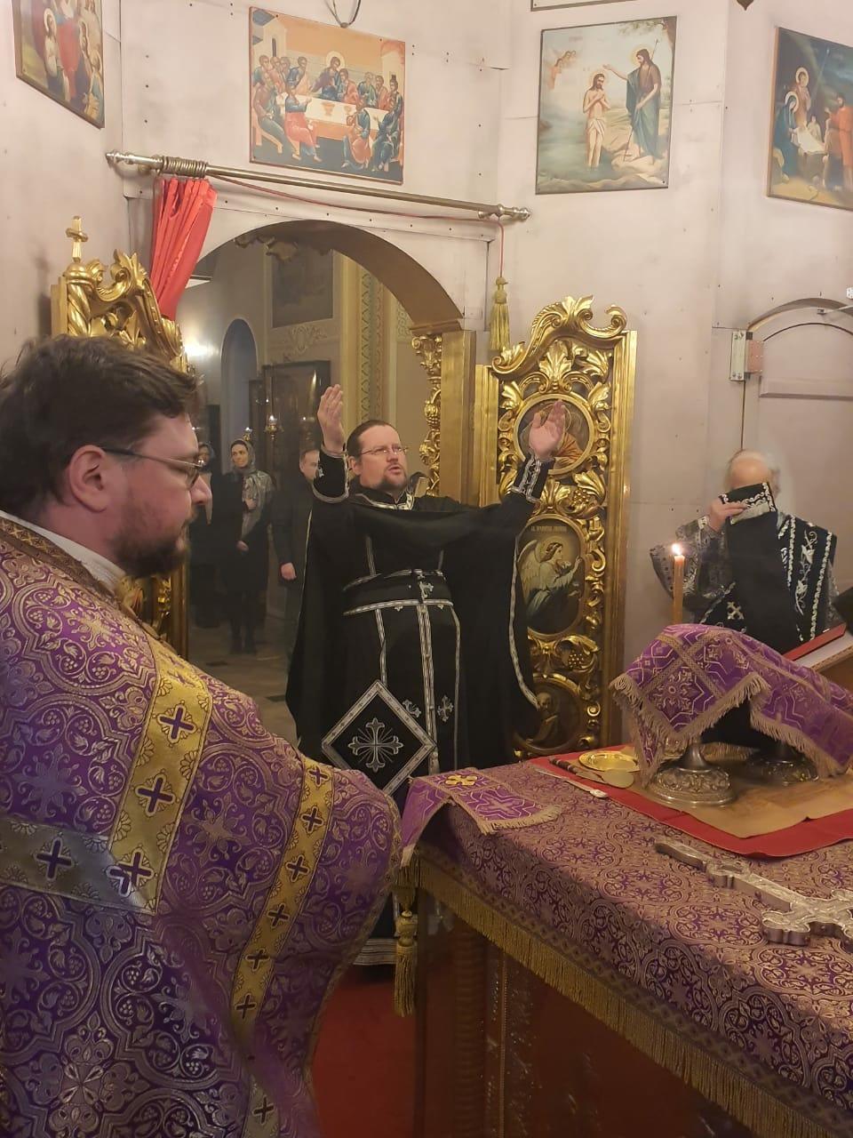 Благочинный Мытищинского церковного округа посетил храм Св. мч. Уара в Вешках