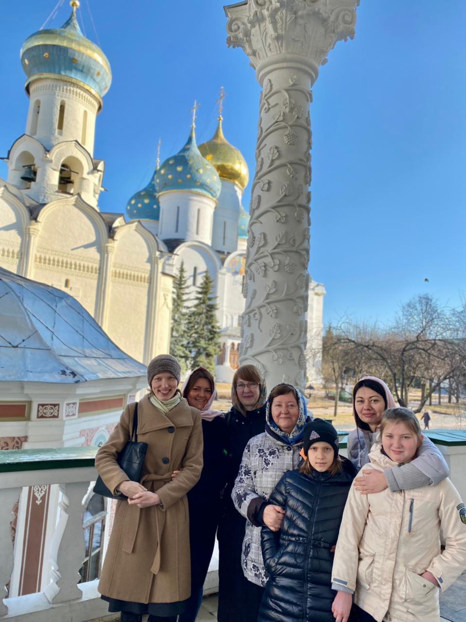 Паломничество учащихся певческого кружка в Троице-Сергиеву Лавру
